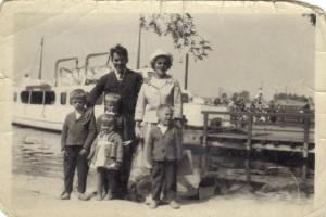 Anja ja Reino perheineen.